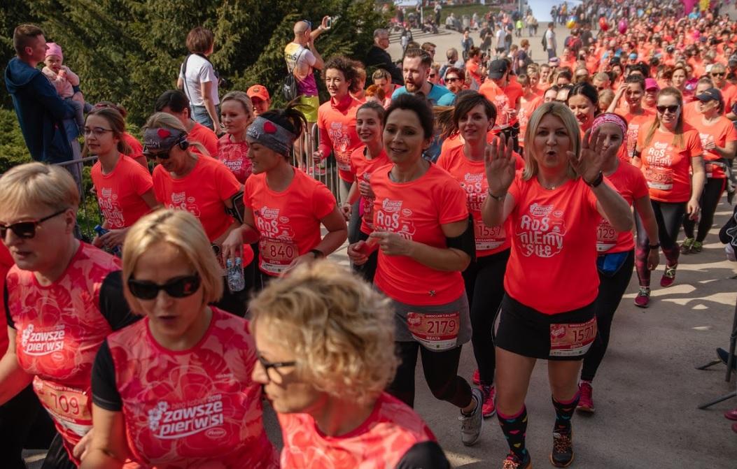 Kobiety biegnące w Gdyni
