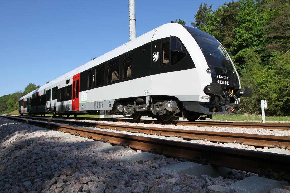 Polacy niechętnie jeżdżą koleją. Ale jest jeden wyjątek: województwo pomorskie