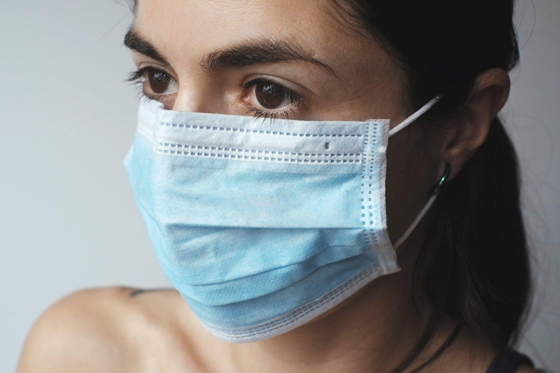 Koronawirus. O czym musisz pamiętać, żeby ochronić się przed zakażeniem. Podstawowe zasady postępowania [INFOGRAFIKI]