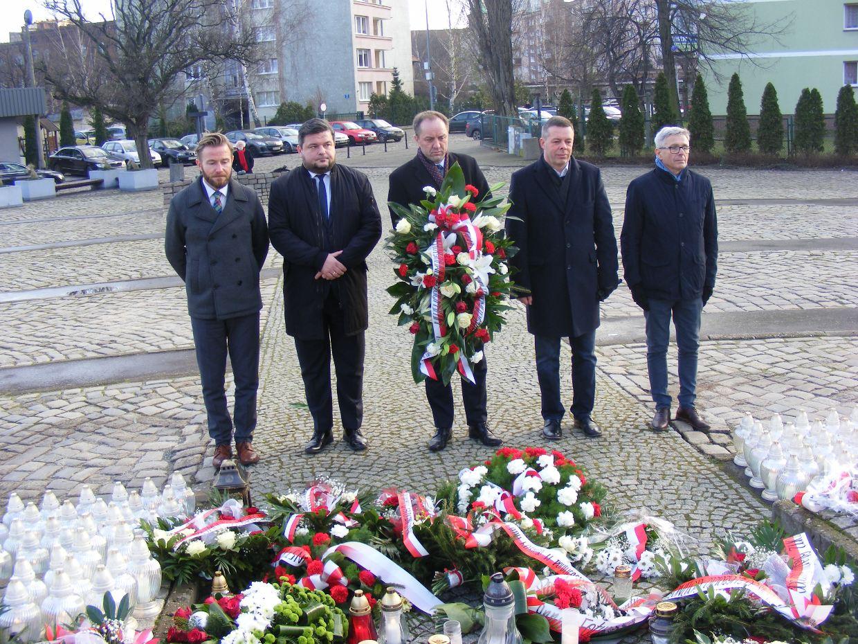 """""""Dzięki ludziom, którzy wtedy protestowali, mamy dzisiaj wolną Polskę"""". Rocznica wydarzeń Grudnia '70"""