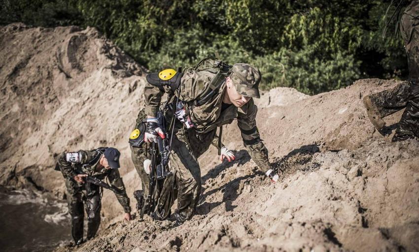 Najbardziej ekstremalny terenowy bieg w Polsce. Spróbuj pokonać własne słabości lub kibicuj najodważniejszym