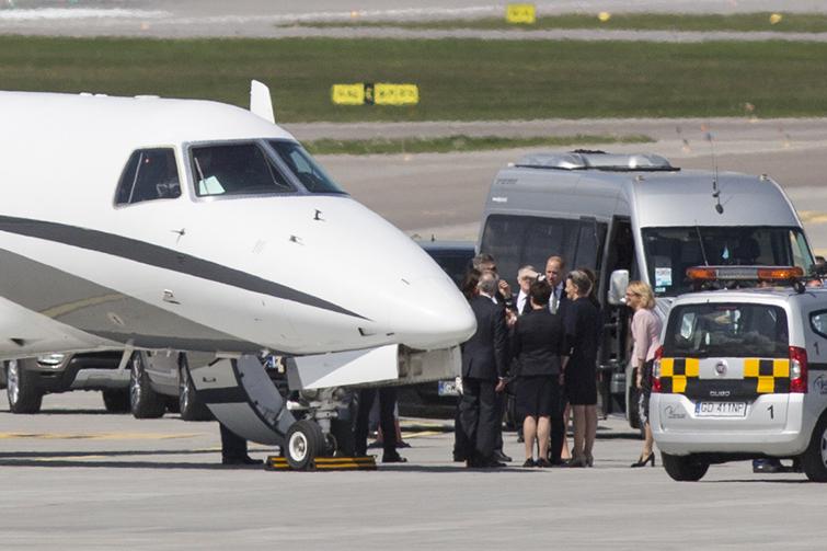 Księżna Kate i książę William na lotnisku w Gdańsku