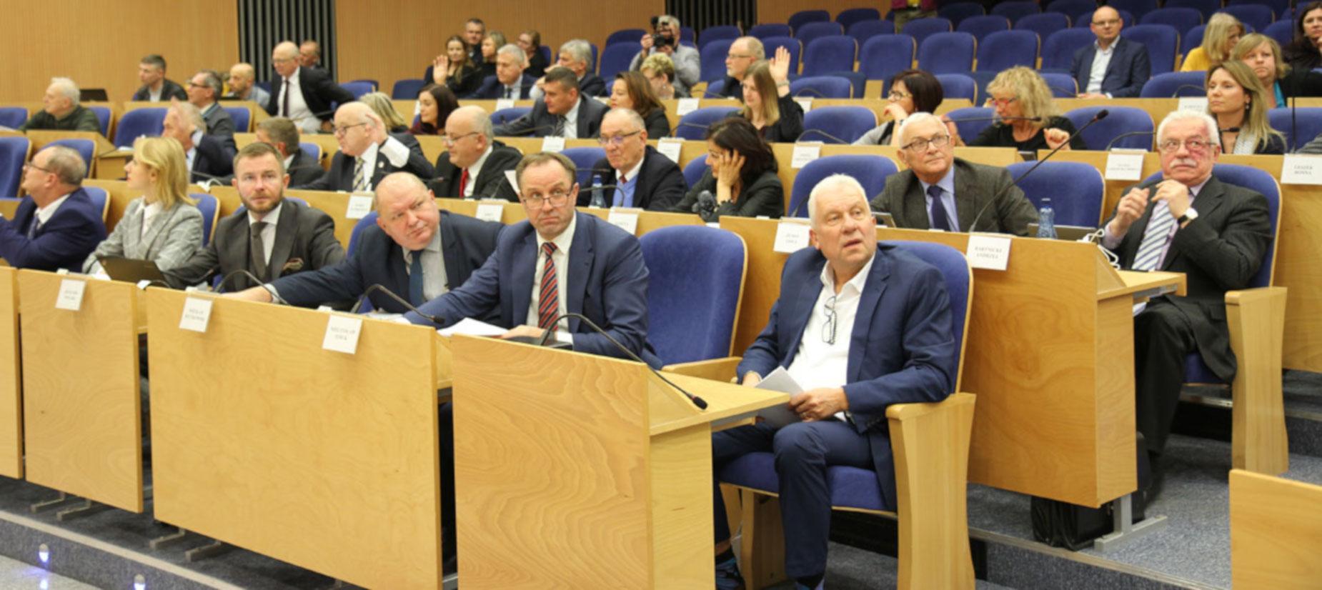 Marszałek Struk: To budżet naszych możliwości. Radni województwa przyjęli budżet na 2019