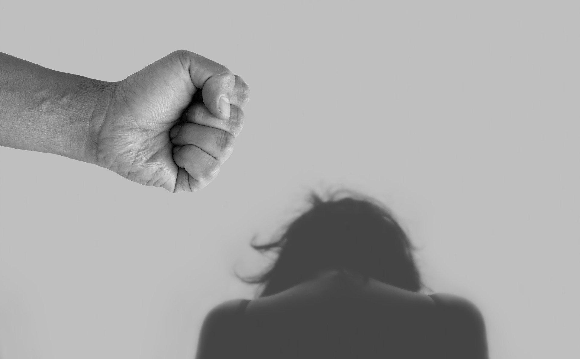 Osobisty plan awaryjny – jak uchronić się przed przemocą domową podczas epidemii ? [WSKAZÓWKI RPO]