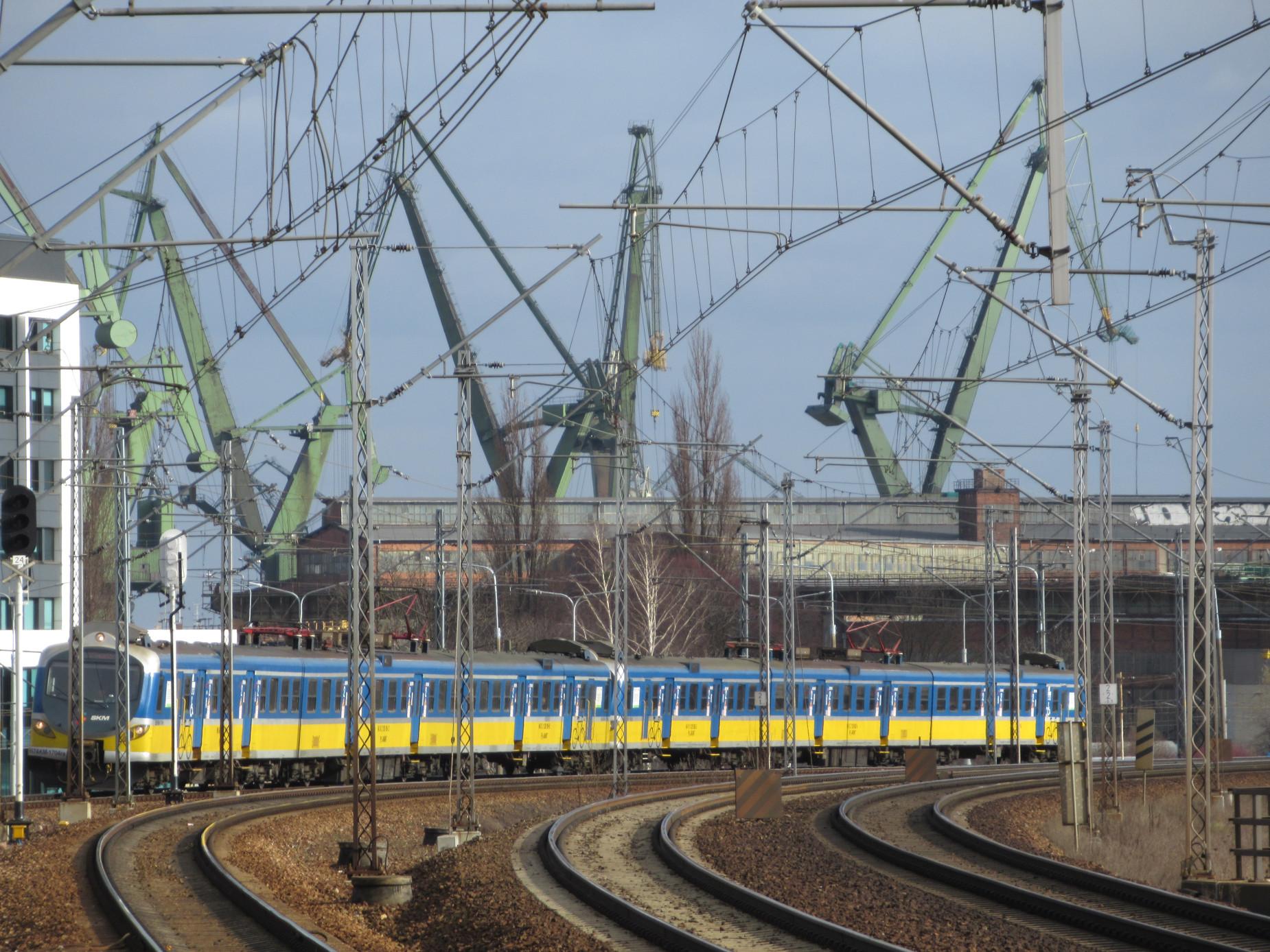 Będzie więcej pociągów na linii SKM. Rozpoczyna się odmrażanie kolejowych połączeń