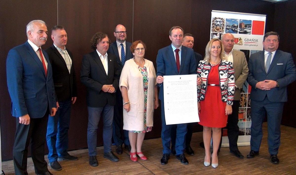 Imigracja to wyzwanie i wielka szansa dla Pomorza. Pomorscy liderzy podpisali deklarację współpracy na rzecz integracji imigrantów
