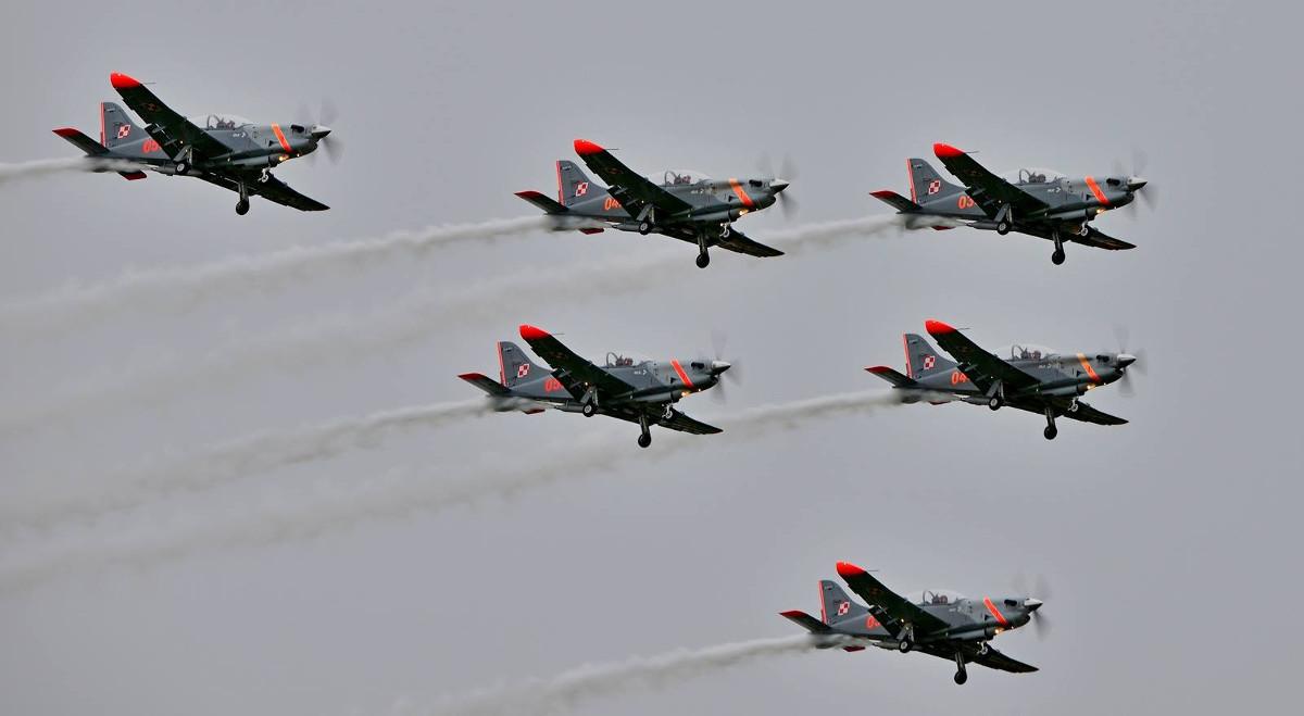 Śmigłowce bojowe nad Pruszczem Gdańskim latają już pół wieku. Wielkie święto 49. Bazy Lotniczej