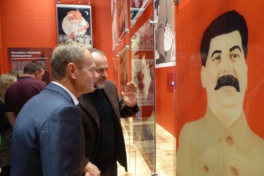 """Donald Tusk po wizycie w Muzeum II Wojny Światowej. """"Jeszcze tu wrócę"""""""