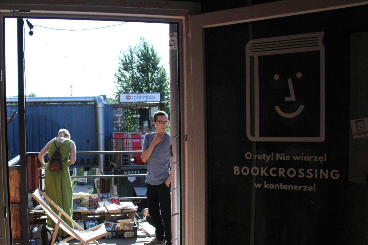 Z książką na imprezę? Na terenie 100czni w Gdańsku stanął specjalny kontener z literaturą