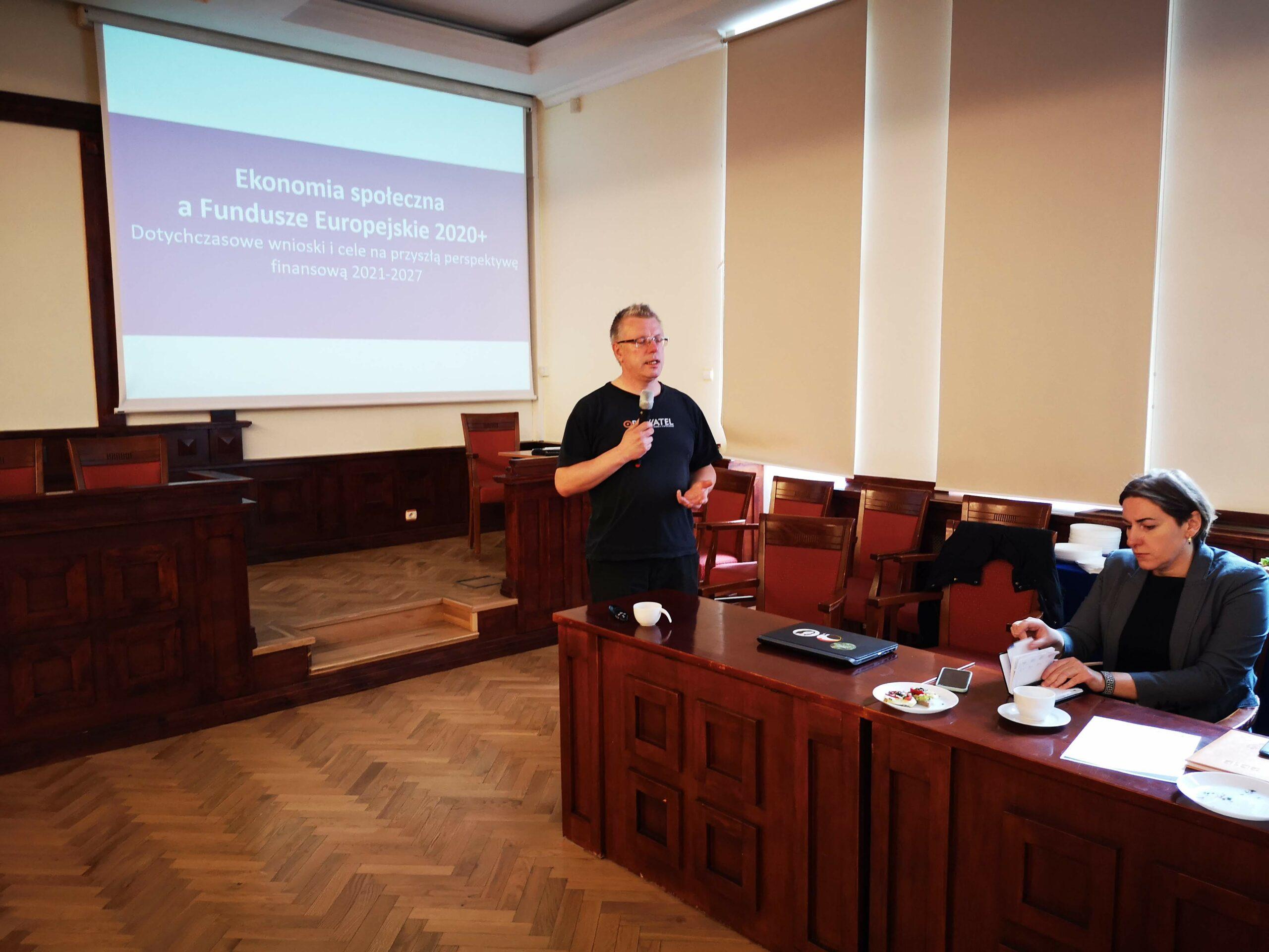 O zmianach w regulacjach dotyczących Ekonomii Społecznej na kolejnym posiedzeniu Pomorskiego Komitetu Rozwoju Ekonomii Społecznej [ZDJĘCIA, MATERIAŁY]