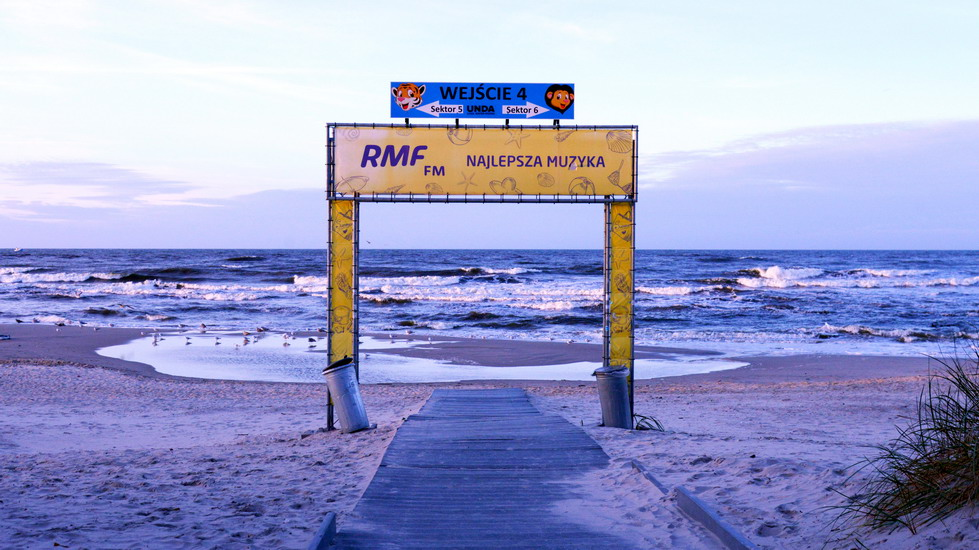 Unikalny obraz horyzontu widzianego z brzegu morza. Wystawa prac Luisy Spiny w Ustce
