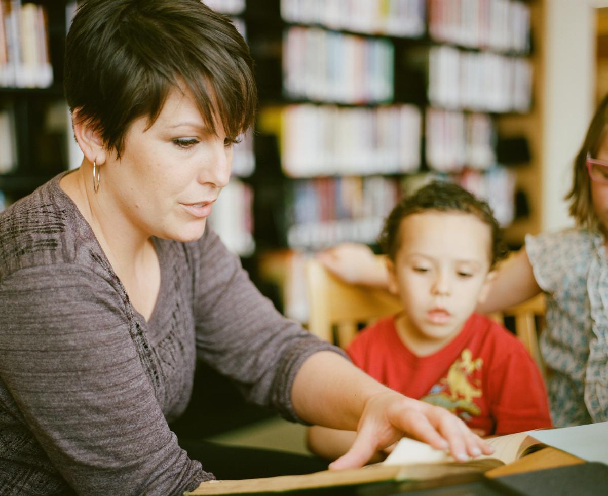 Twój nauczyciel jest pomysłowy, zaangażowany i po prostu dobry? Zgłoś go do konkursu! [NAUCZYCIEL POMORZA 2020]