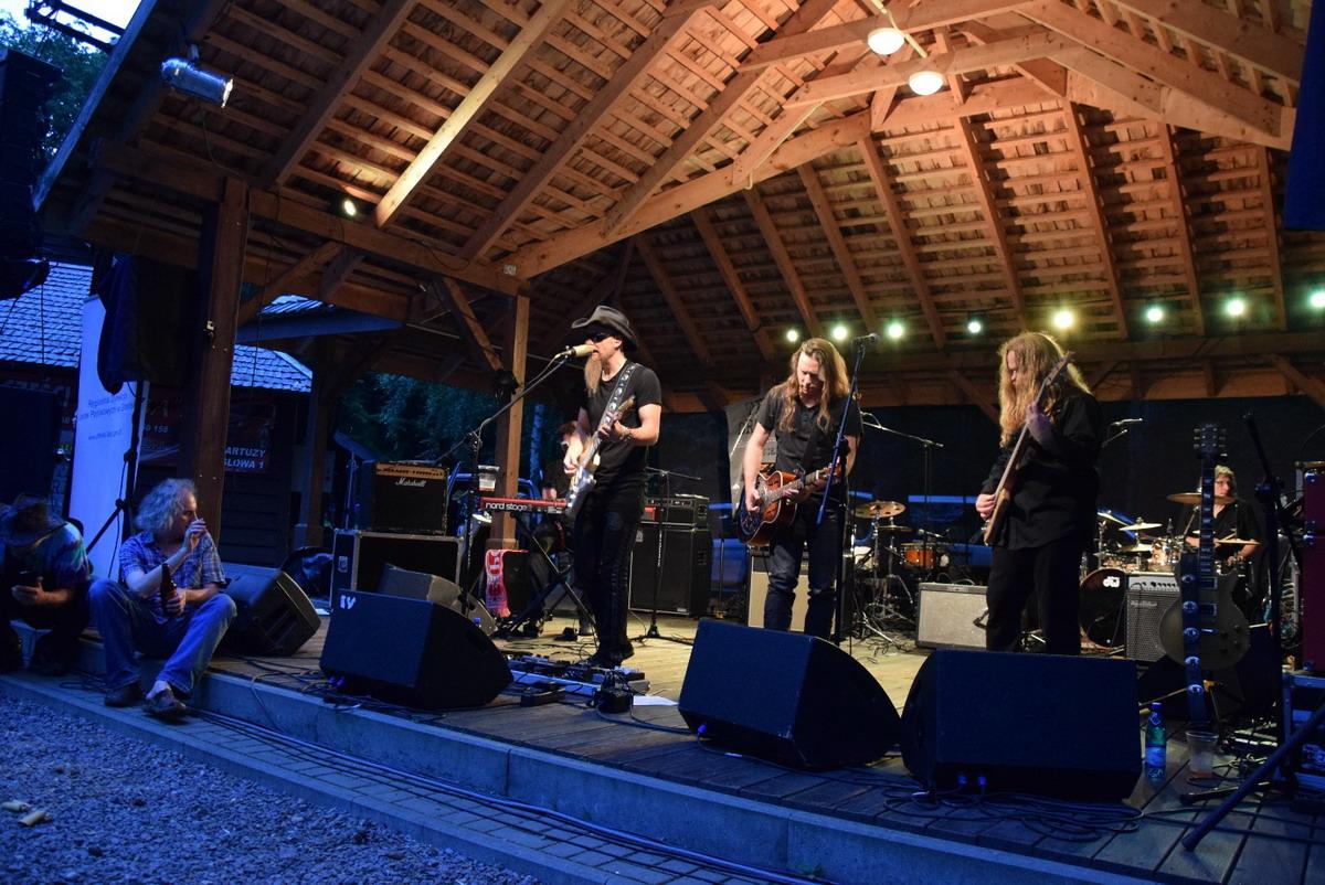 Muzyka, leśnicy, gry i zabawy edukacyjne. Blues w Leśniczówce w Mirachowie