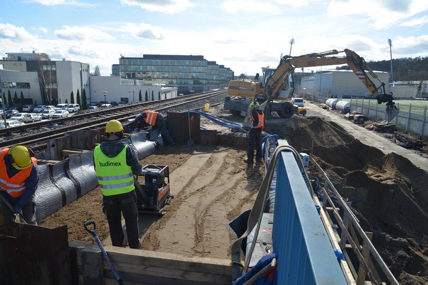 Przystanki Gdynia Karwiny i Gdynia Stadion będą wybudowane dwa miesiące później