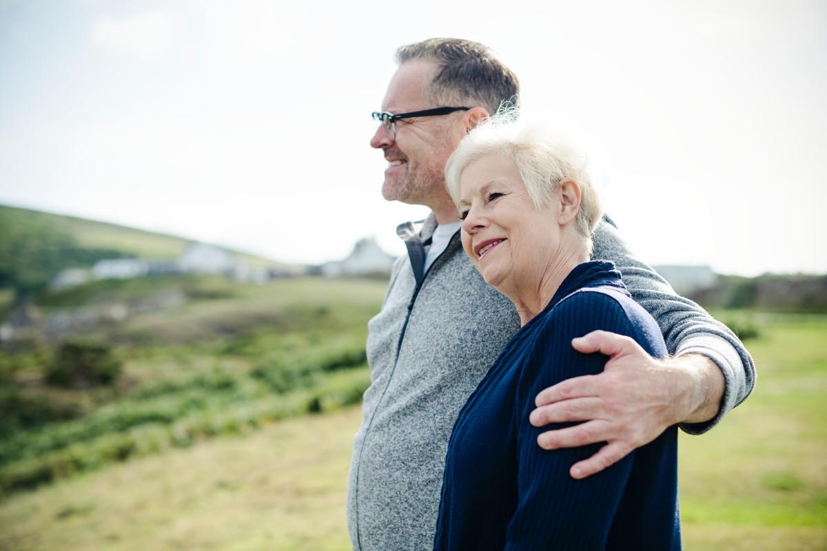 Babcie i dziadkowie mają swoje święto. Na Pomorzu seniorów jest więcej niż wnuczków [INFOGRAFIKA]