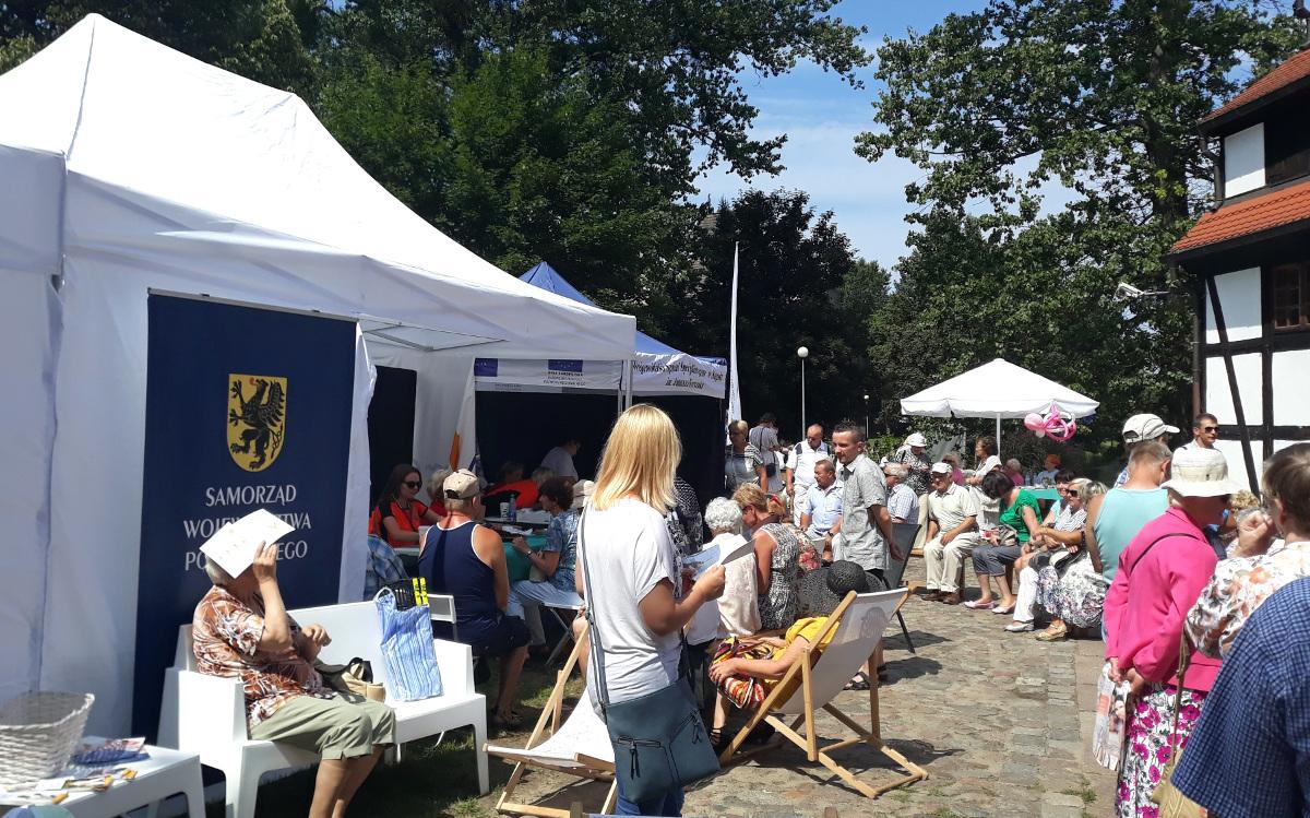 Jarmark Gryfitów w Słupsku przyciągnął tłumy. W ramach akcji Pomorskie dla Zdrowia wykonano 1120 darmowych badań i konsultacji lekarskich