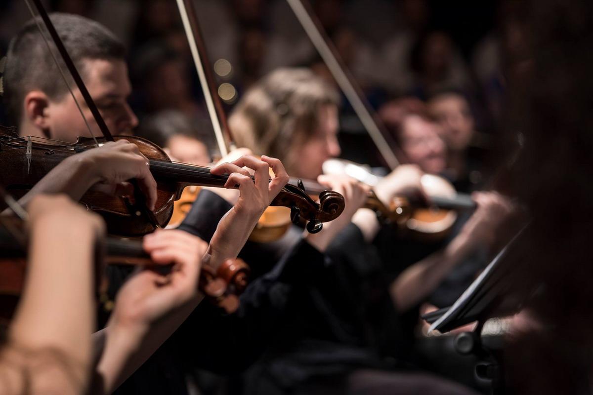 Październik w rytmie symfonii. Koncert w Filharmonii Bałtyckiej w Gdańsku