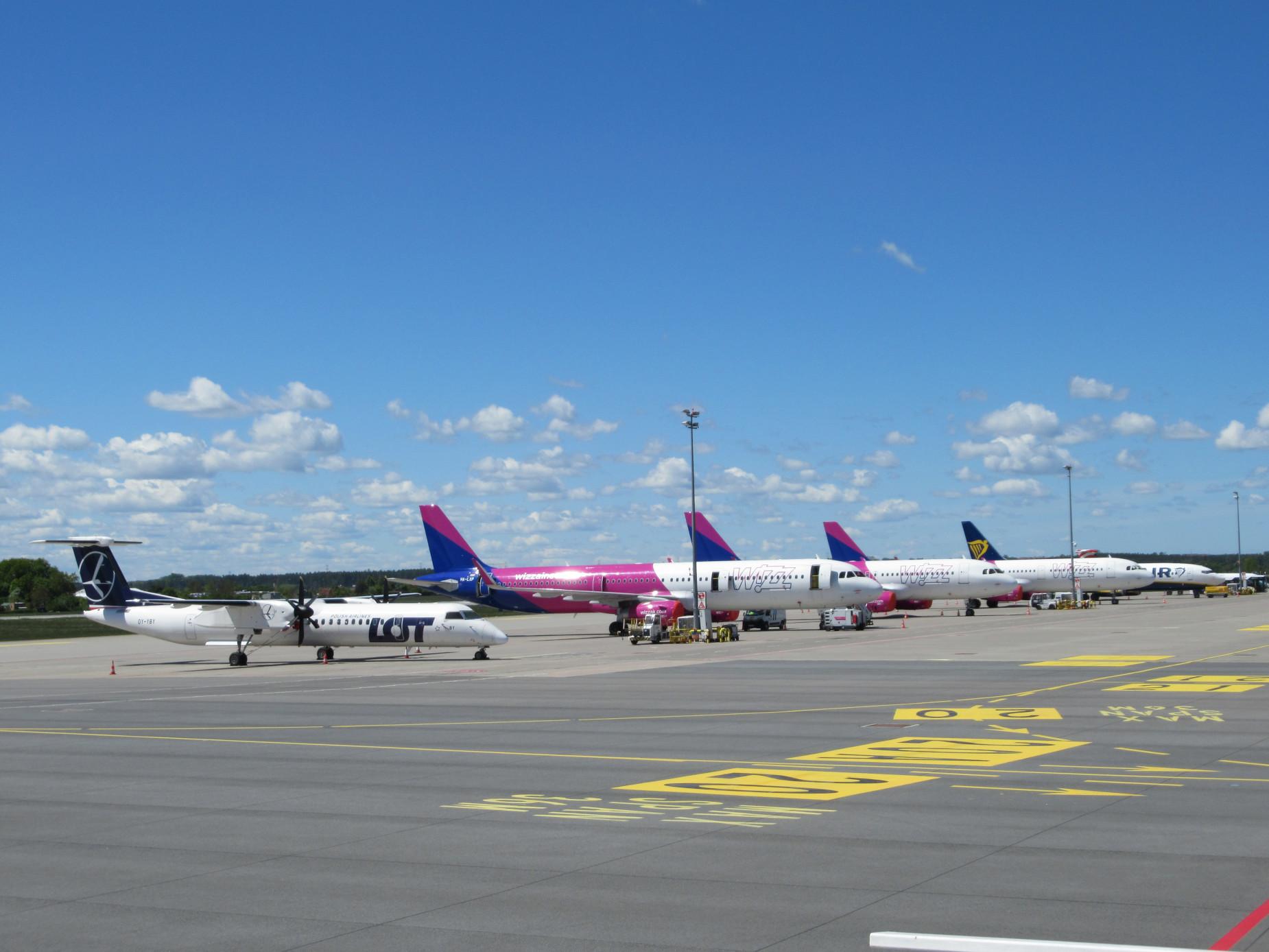 Port lotniczy wraca do normalności. Liczba pasażerów sukcesywnie rośnie, a samoloty latają do nowych miejsc