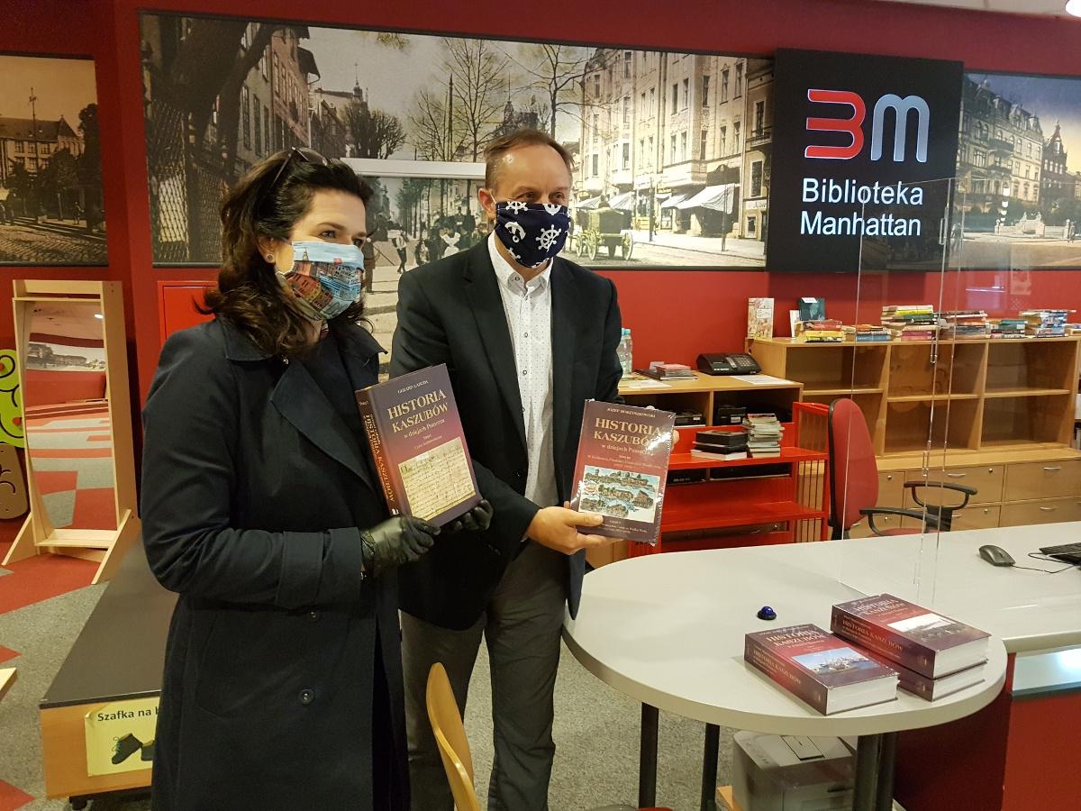 Wojewódzka i Miejska Biblioteka Publiczna otwiera się dla czytelników. Co z odmrażaniem innych instytucji kultury?