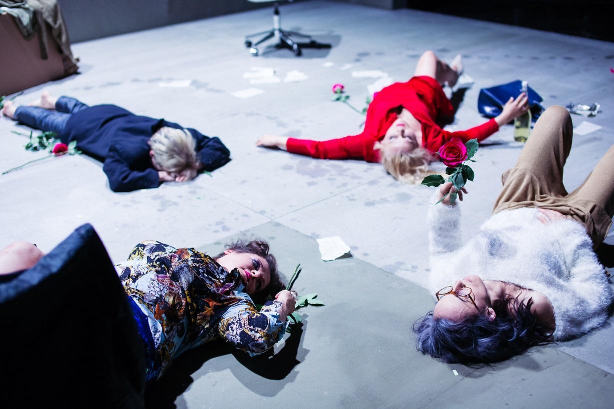 """Teatr Wybrzeże ułatwia dostęp do kultury. Przyjdź na specjalny pokaz spektaklu """"Reset"""""""