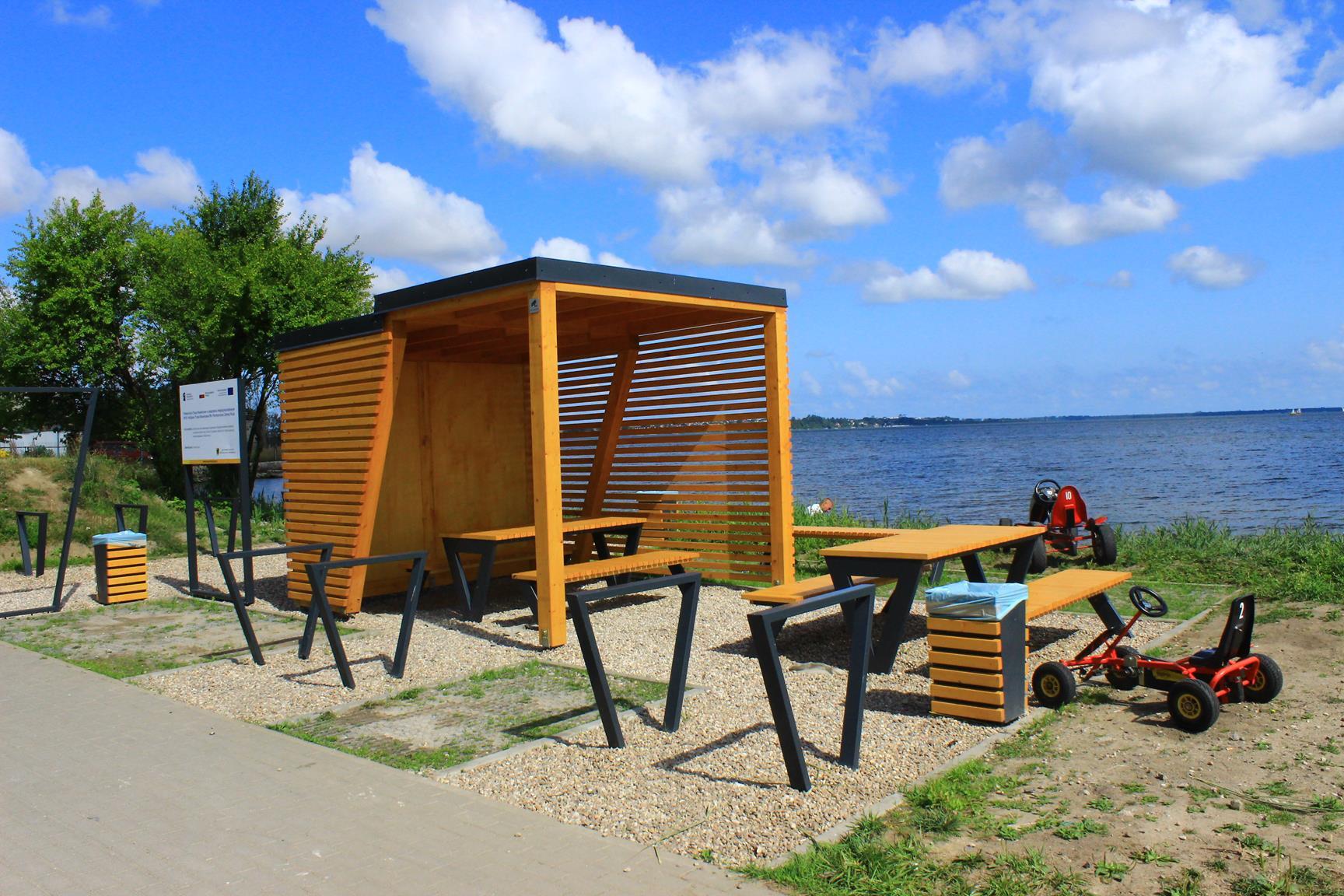 Nowe miejsca postojowego dla rowerzystów w Pucku
