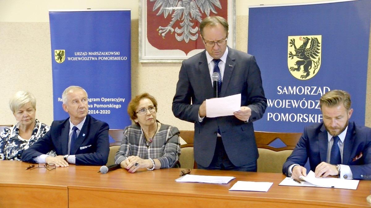 Powiatowe Centrum Zdrowia w Kartuzach będzie bardziej ekologiczne. Dofinansowanie dla projektu termomodernizacji budynków