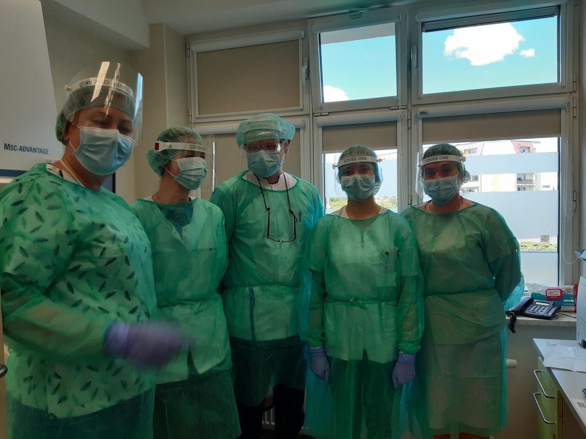 Nowe urządzenie diagnostyczne w słupskim szpitalu. Dzięki niemu wykonają więcej badań wykrywających koronawirusa