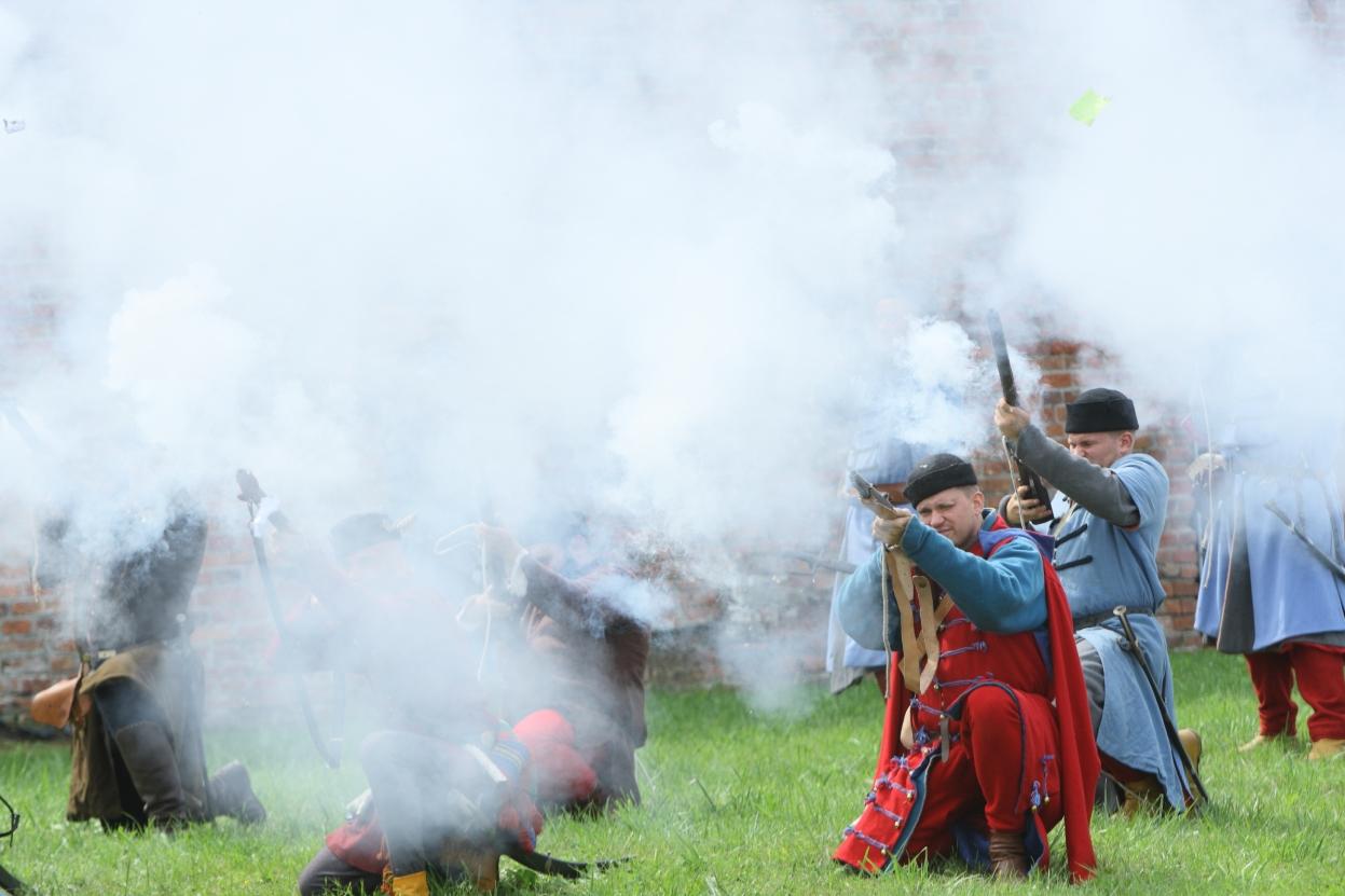 W Wisłoujściu usłyszymy huk strzelających dział i muszkietów. Rekonstrukcja bitwy z roku 1577