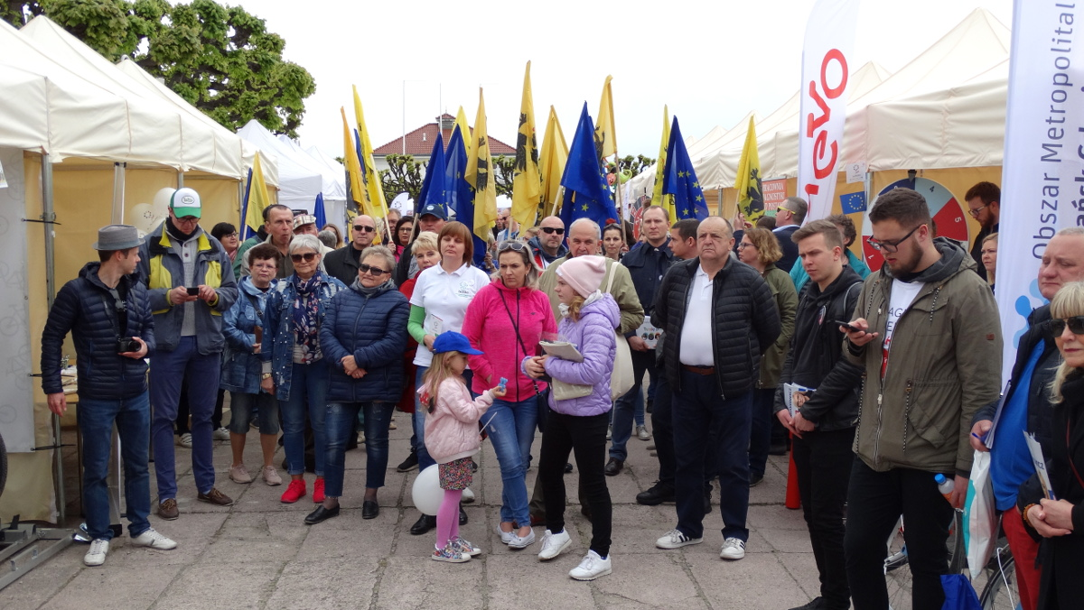 Pomorzanie tłumnie świętowali na wielkim pikniku europejskim w Sopocie. Dni Otwarte Funduszy Europejskich za nami [ZDJĘCIA]