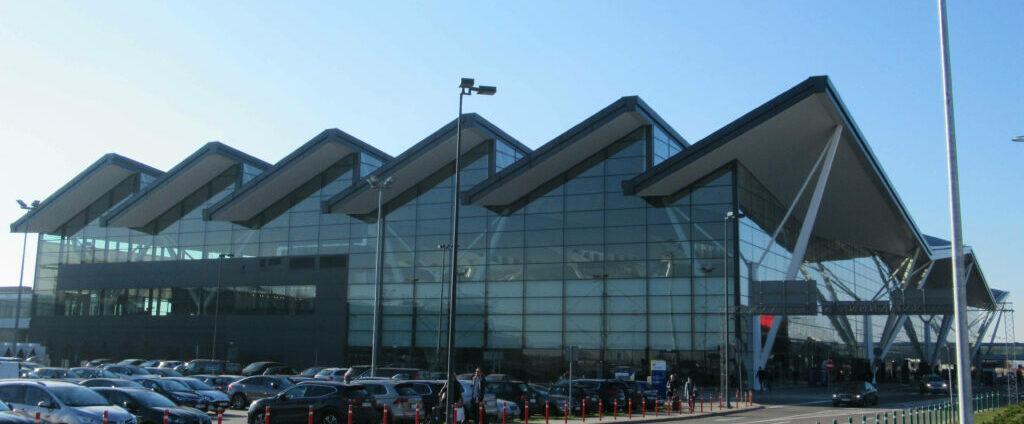 Rośnie liczba pasażerów latających z gdańskiego lotniska