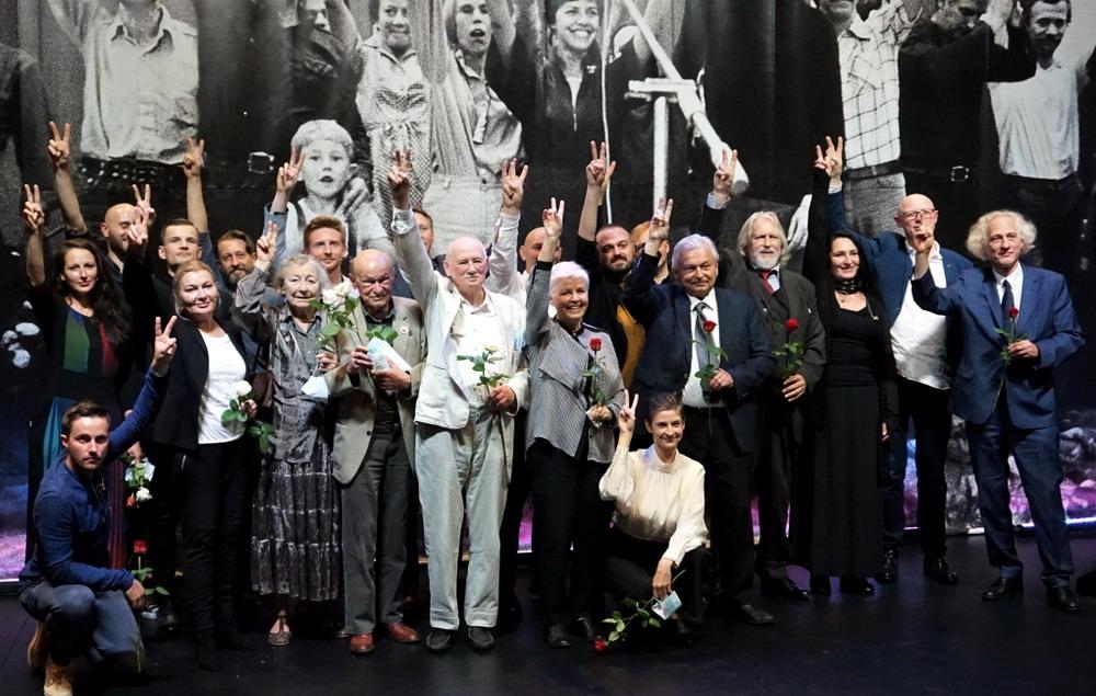 """Powstawała """"Solidarność"""". Poetyckie koncerty 40 lat temu w stoczni i dziś w Teatrze Wybrzeże"""