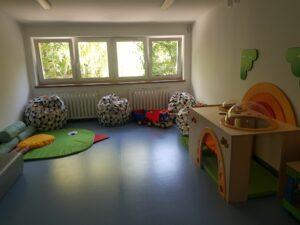 Widok na jedną z sal nowym przedszkolu w Brodnicy Górnej