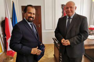 Ambasador Sri Lanki i wicemarszałek Wiesław Byczkowski