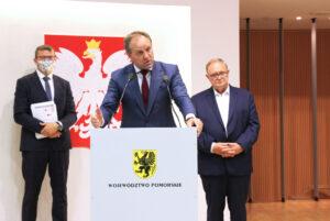 Mieczysław Struk przemawia na sesji o uchwałach antysmogowych
