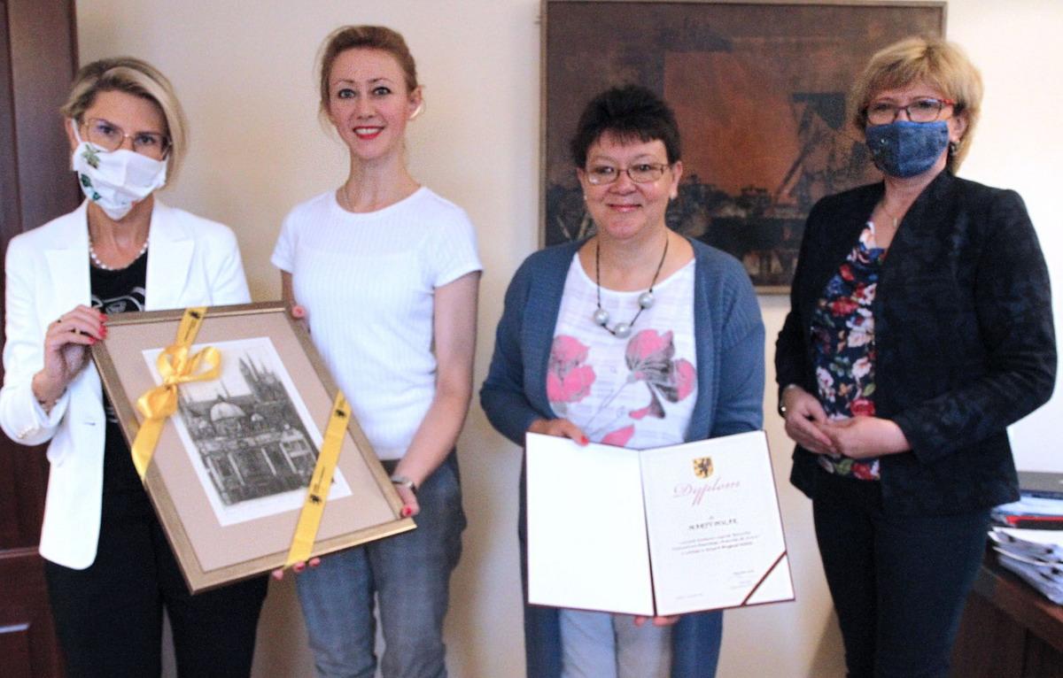 Marta Polak laureatką Nagrody Marszałka – Przyjaciel Seniora