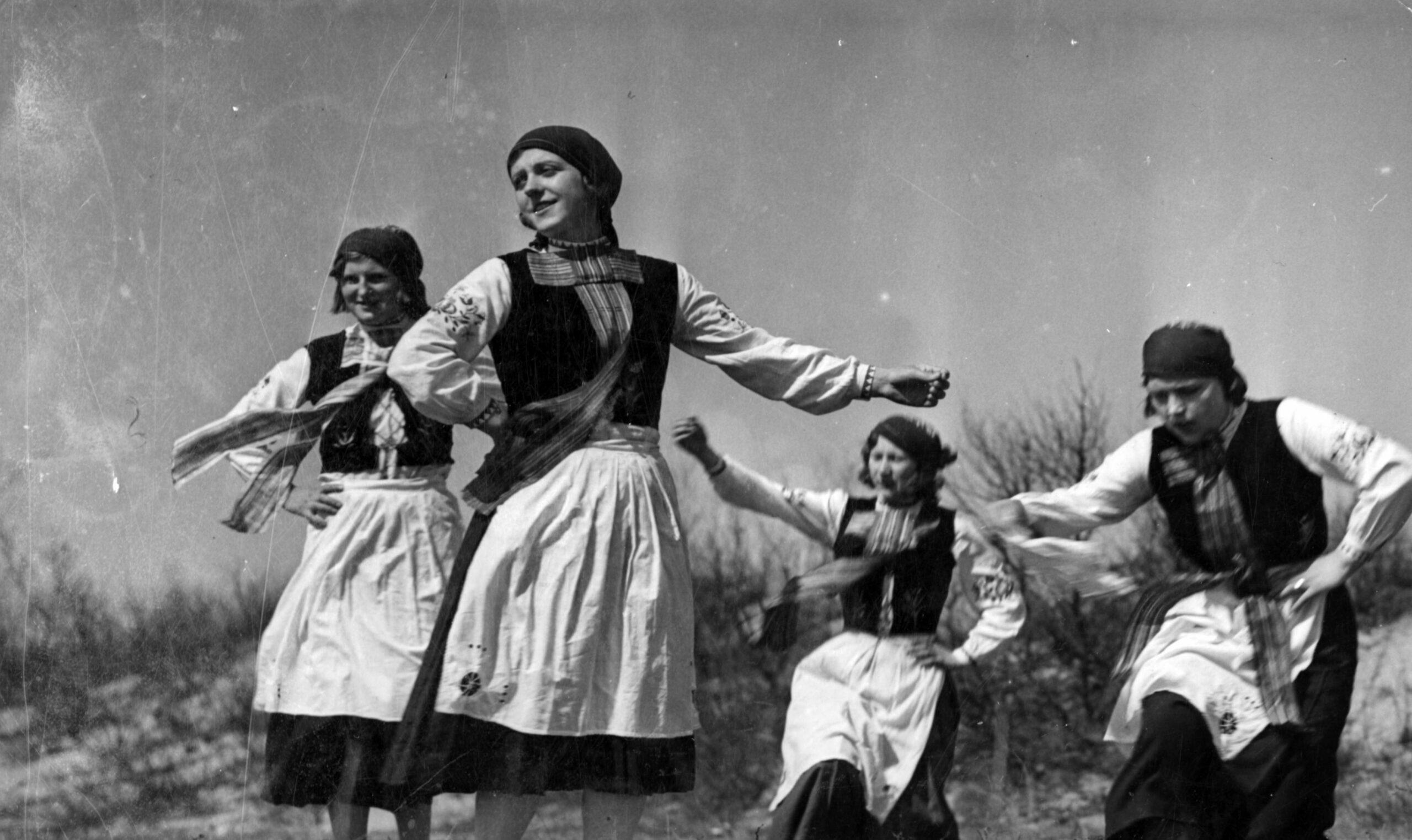 Zamiast imprezy tanecznej wystawa o tańcu. NCK zaprasza miłośników folku i nie tylko