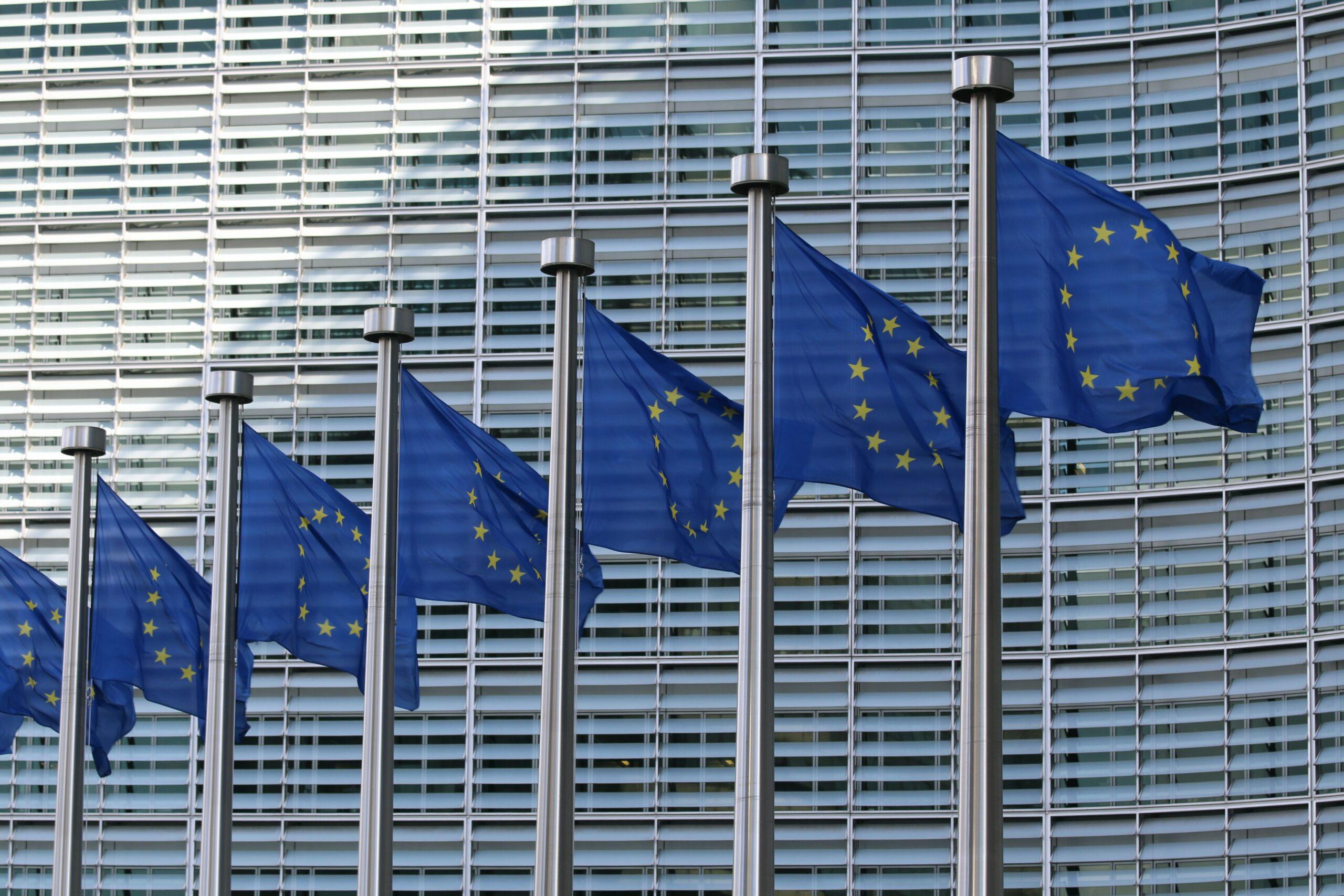 Pomorski sejmik za Unią Europejską. Wzywa rząd, by nie wetował unijnego budżetu