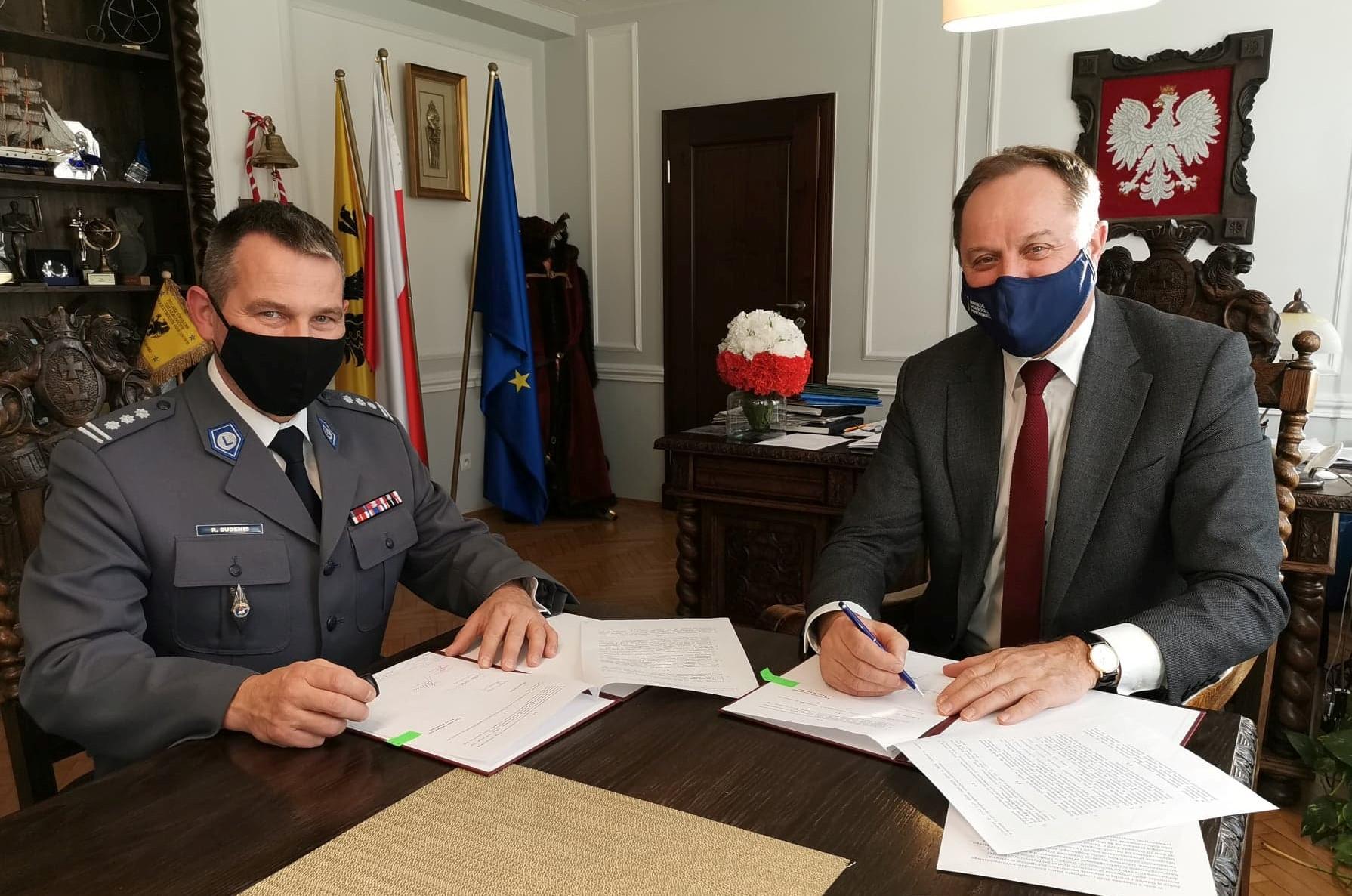 Będzie bezpieczniej na pomorskich drogach. Samorząd województwa przekaże policji 86 tys. zł
