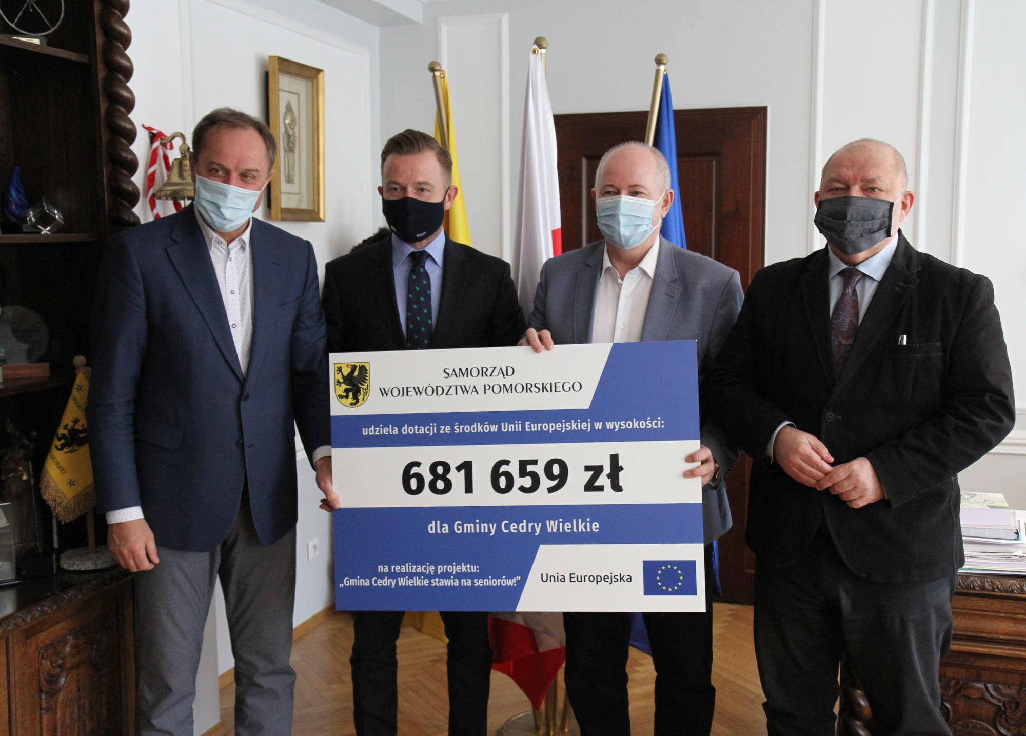 Gmina Cedry Wielkie stawia na seniorów. Wsparciem jest ponad 681 tys. zł unijnej dotacji