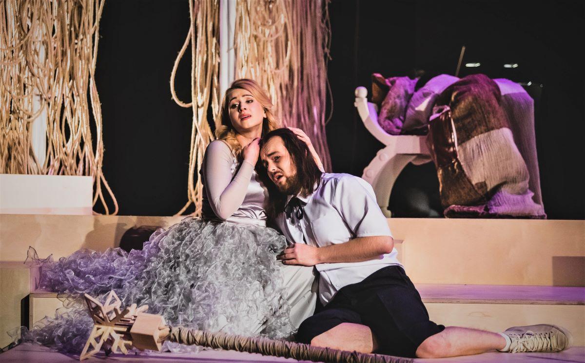 Czym jest miłość i jak można ją interpretować? Premiera w Operze Bałtyckiej on-line