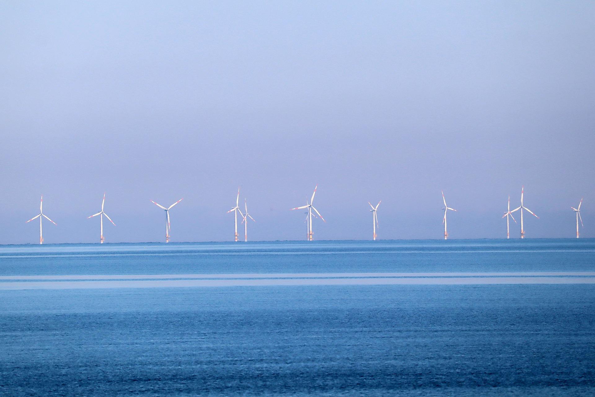 Farmy wiatrowe na Bałtyku – czy może im zagrażać zatopiona w morzu broń?