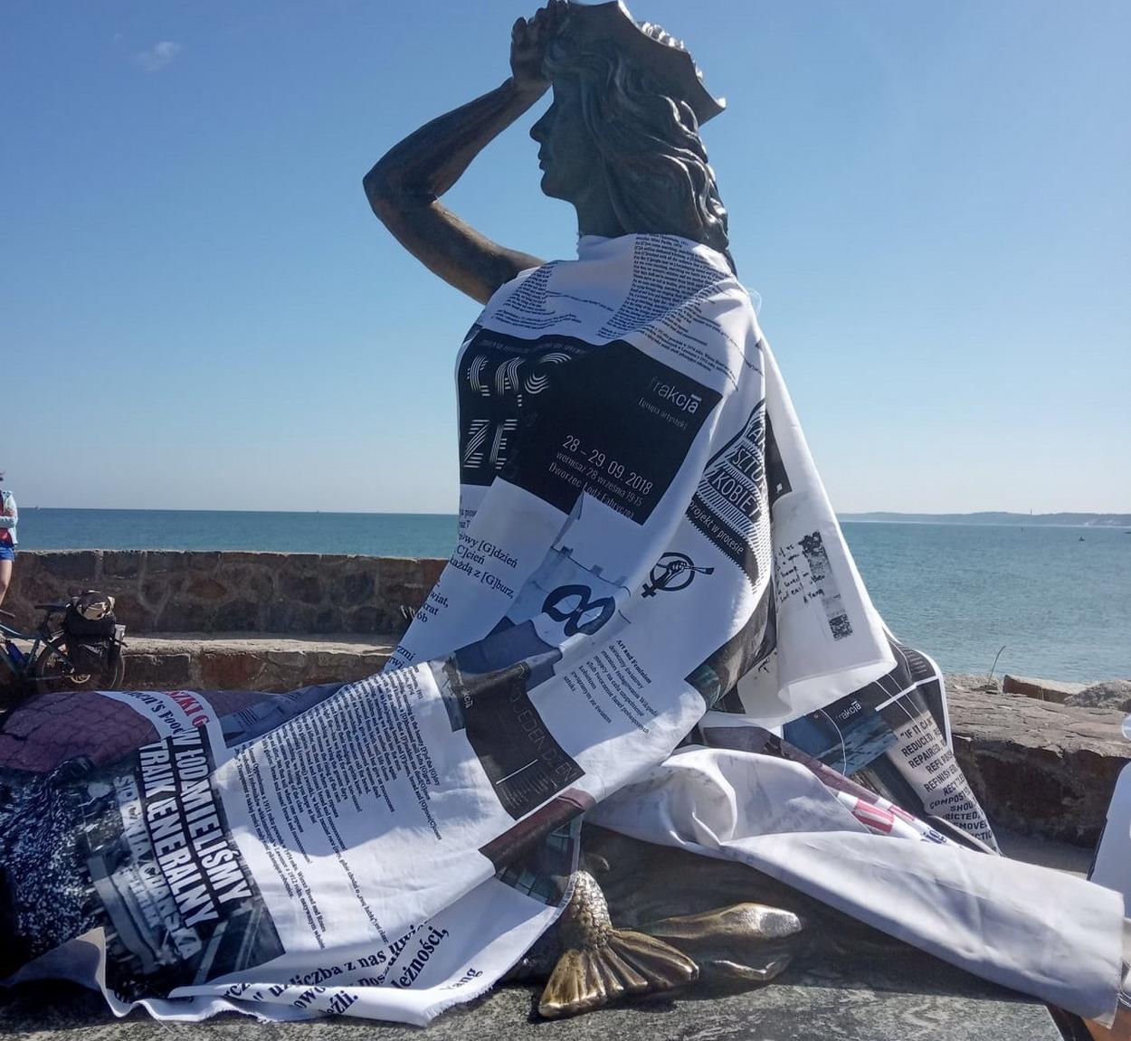 Artystki w dobie kryzysu. Plaża żeńska, czyli wystawa w ramach rezydencji artystycznej