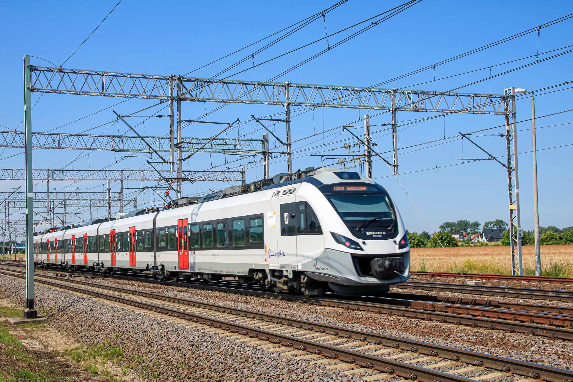 Pomorze najbardziej kolejowym regionem w Polsce. Pomimo pandemii najchętniej jeździmy pociągami