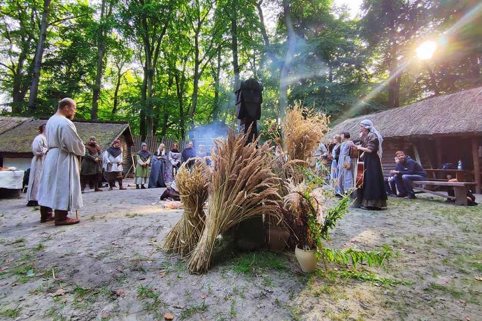 Koniec lata i słowiańskie obrzędy, czyli Święto Plonów na Grodzisku w Sopocie