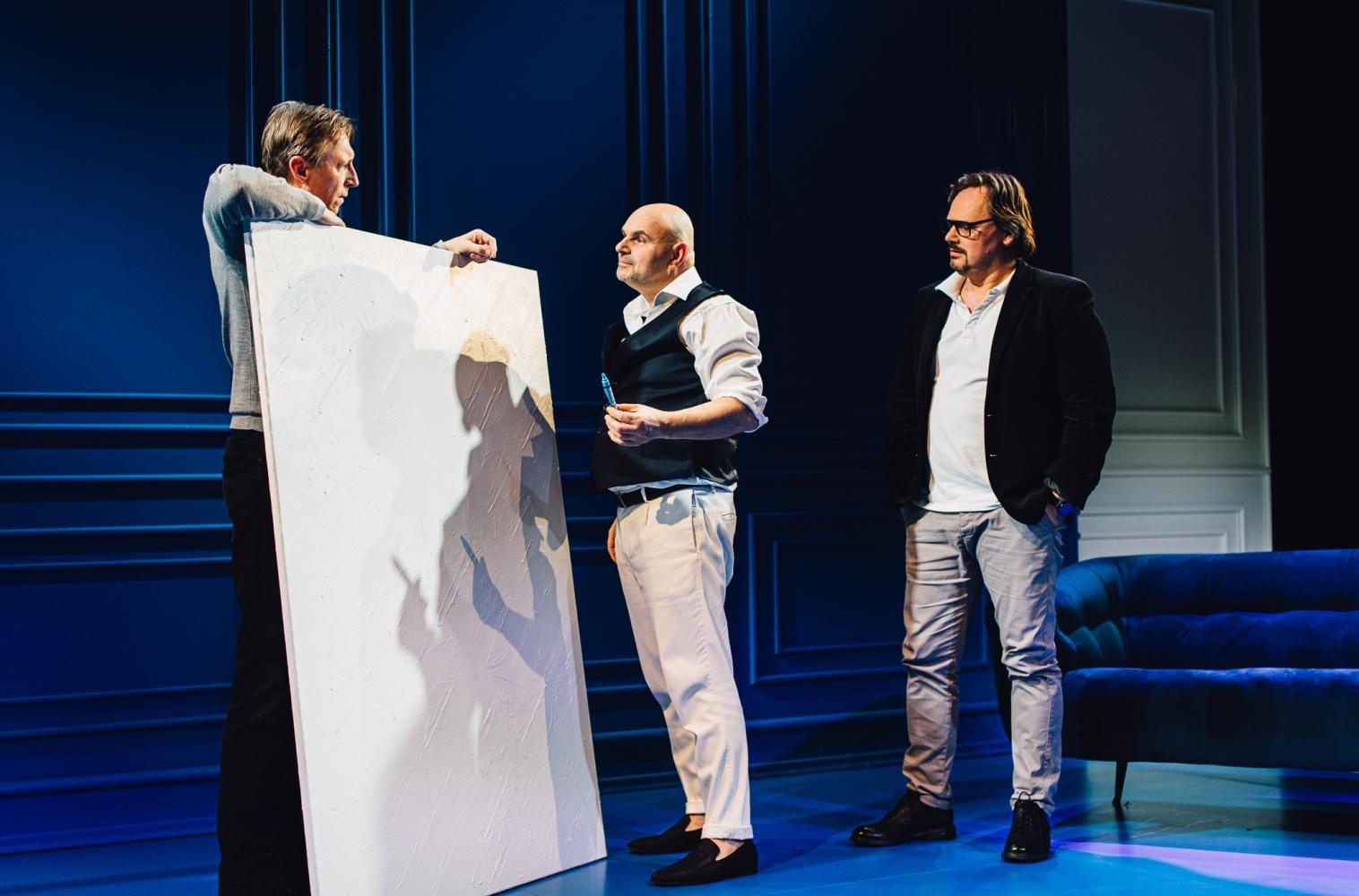 """Teatr Wybrzeże ułatwia dostęp do kultury. Specjalny pokaz i dyskusja o spektaklu """"Sztuka"""""""