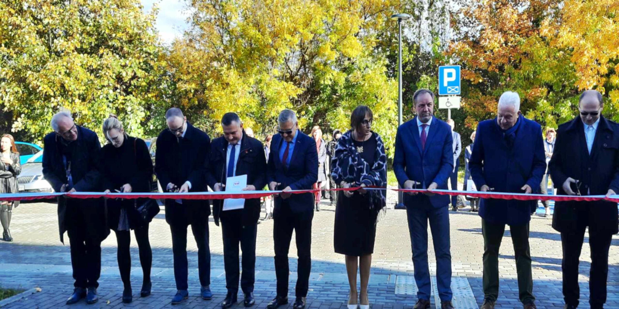 Pracownia hydromasażu, aula i unity. Co zmieniło się w szkole policealnej przy Hallera w Gdańsku?